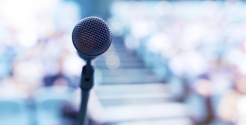 Perlu Terampil Bicara di Depan Publik