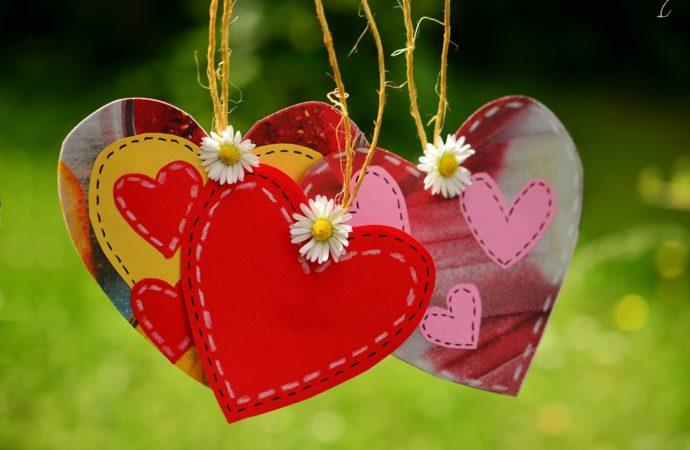 Si ABG Mulai Jatuh Cinta, Bagaimana Sikap Orang Tua?