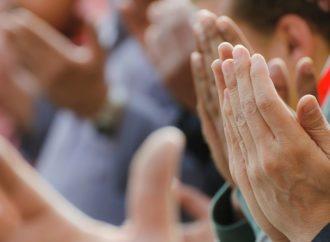 Manfaatkan Dunia Sebagai Ladang Ibadah Menuju Surga