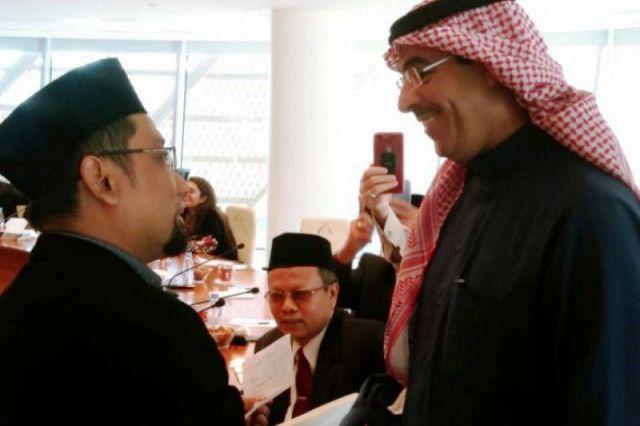 Kang Abik Diplomasi ke Arab Saudi dengan Senjata Puisi