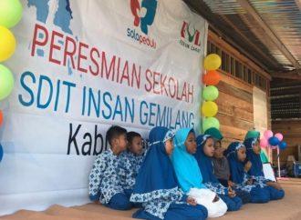 SOLOPEDULI Bangun SD Semi Permanen untuk Korban Gempa dan Tsunami di Sigi