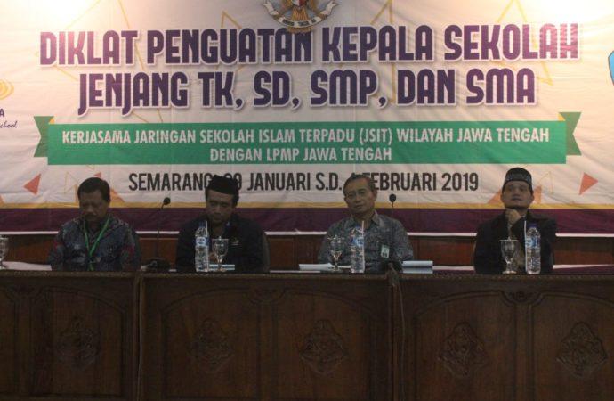 Gandeng LPMP, JSIT Jateng Gelar Diklat Kepala Sekolah