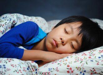 Tips Membangunkan Anak untuk Sahur
