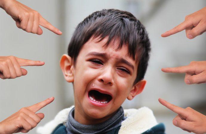 Orang tua Wajib Tau! Cara Mengetahui Bullying yang Terjadi pada Anak dan Penanganannya