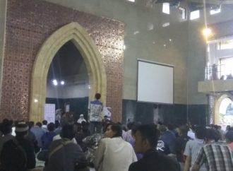 Beri Tausiyah di Masjid Sudalmiyah UMS, Ustaz Tengku Zulkarnaen Ajak Jamaah Meneladani Rasulullah