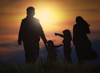 Kiat untuk Orang Tua Agar Anak-anaknya Memiliki Masa Depan Cerah