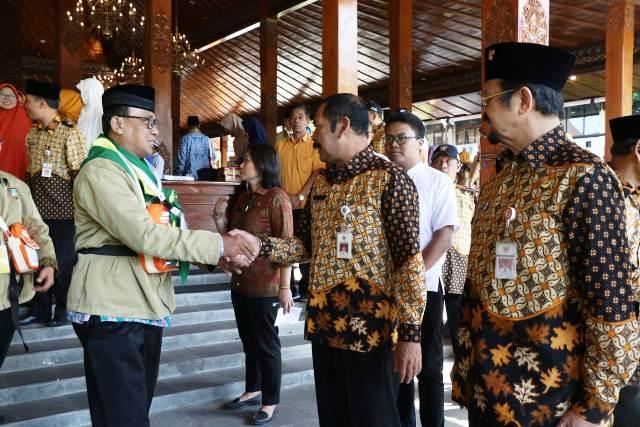 Lepas 407 Calhaj 2019, Walikota Solo Titip Doa untuk Kerukunan Warga