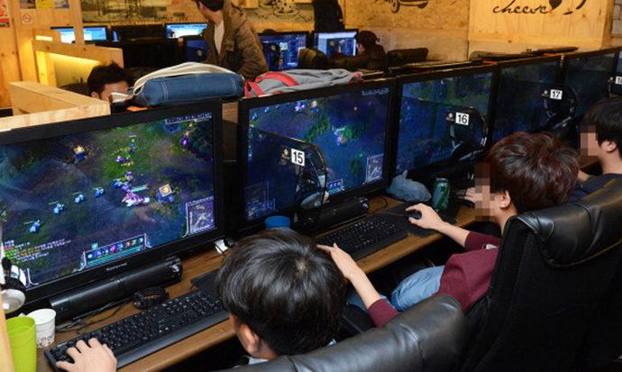 Anak Kecanduan Game Online? Ini Tips untuk Mengatasinya