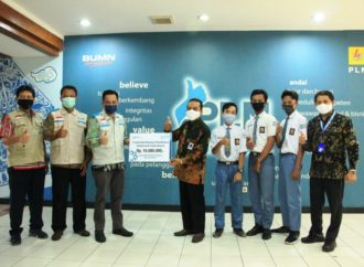 Sinergi YBN PLN Surakarta – SOLOPEDULI Salurkan Beasiswa untuk SMK IT Smart Informatika
