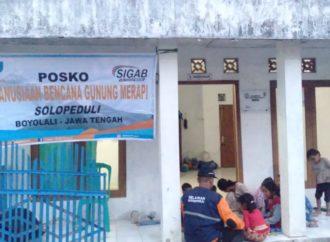 Buka Posko, Tim SOLOPEDULI Dampingi Anak-Anak di Pengungsian Gunung Merapi